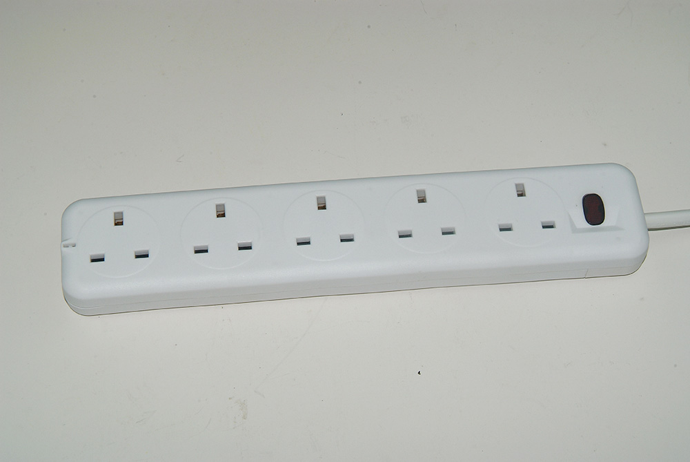 230v 6 Outlets And 8 Outlets Power Strip Surge Protector with CE Certificate